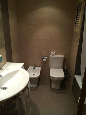 Bristol Park Hotel: Baño