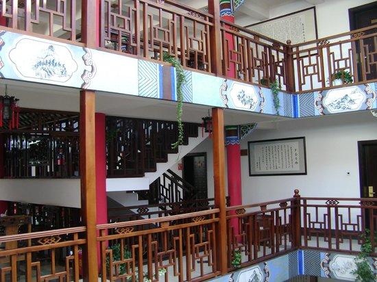 Landscape Hotel: Escalier pour accéder aux chambres