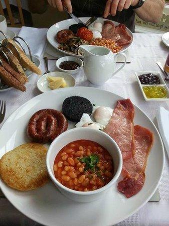 Seven Oaks Guest House : Sues fantastic breakfasts!