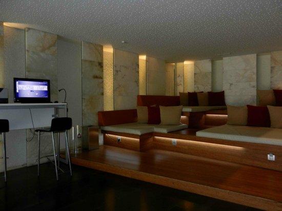 Ayre Hotel Rosellon: salottino