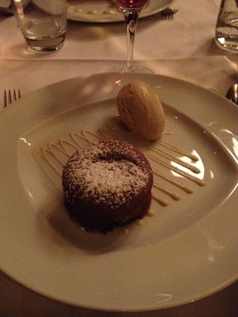 La Fontaine Gaillon : Fondant au chocolat with Vanilla ice-cream