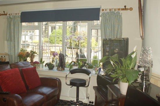 Ye Olde Coach House: Lounge_3