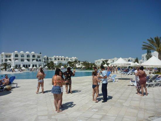 Vincci Helios Beach : Tanzunterricht am Pool