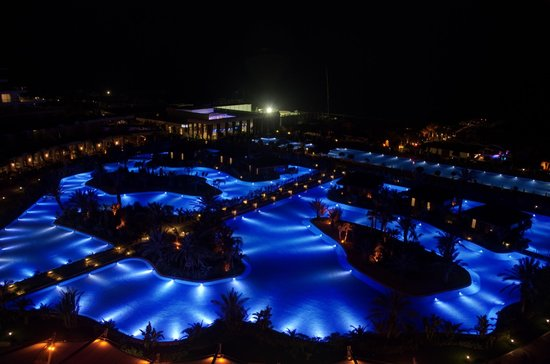Maxx Royal Belek Golf Resort: Maxx Royal Belek Golg & Spa by night