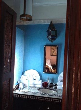 Kasbah Caracalla: small bathroom in Riad Africa
