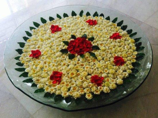 Taj Mahal Hotel: Flowers, fresh every day