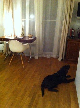 Hotel&Villa Auersperg: auch noch alles für I phone... und Nespresso darf nicht fehlen