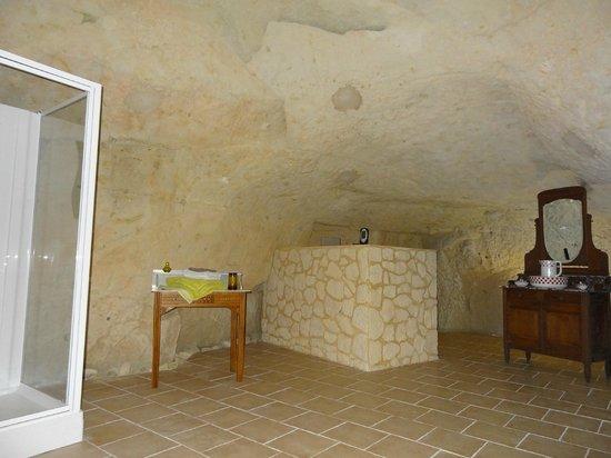 Le Logis des Roches d'Antan: salle de bains chambre Tuffeau