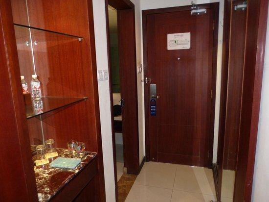 Huangguoshu Hotel: Onpersoonlijk
