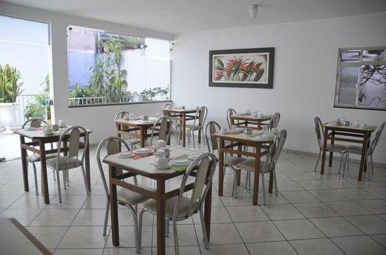 Hotel Cisne : Área do café da manhã