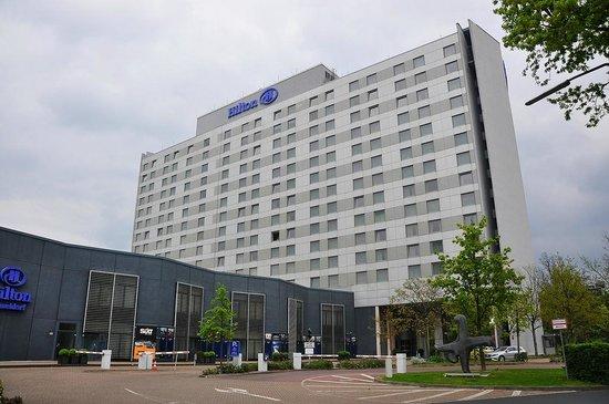 Hilton Duesseldorf : Hilton Düsseldorf