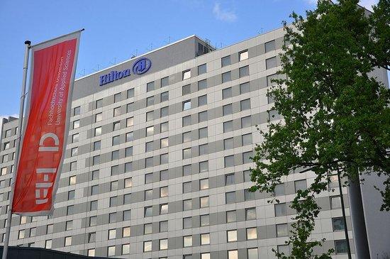 Hilton Duesseldorf : The Hilton Hotel in Düsseldorf