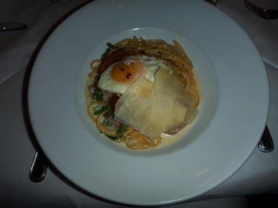 Bond 45 Italian Kitchen Steak & Seafood: Pasta Carbonara
