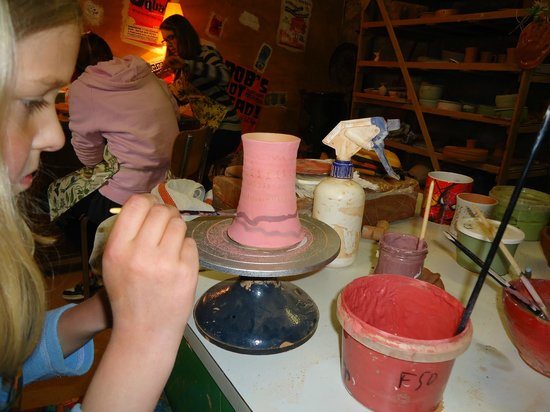 Domaine Thomson: Cours du poterie en village/pottery course in the village
