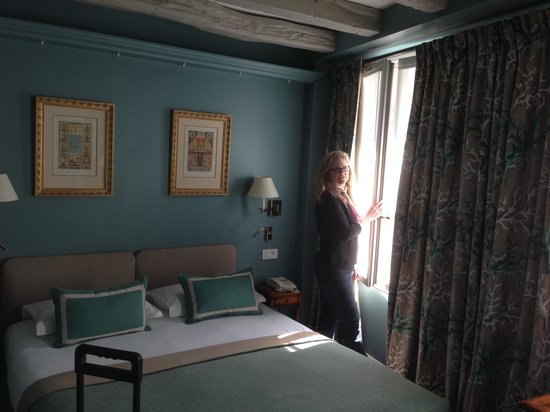 Le Relais Saint-Honore : Beautiful room with a view