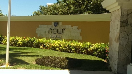 Now Sapphire Riviera Cancun : Front Gate
