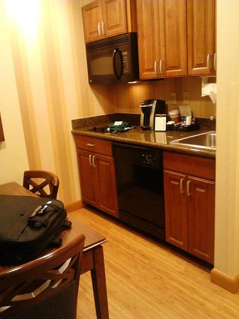 Homewood Suites by Hilton Phoenix North - Happy Valley: Suite Kitchen View