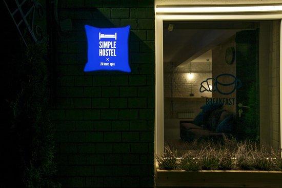 Simple Hostel: Exterior