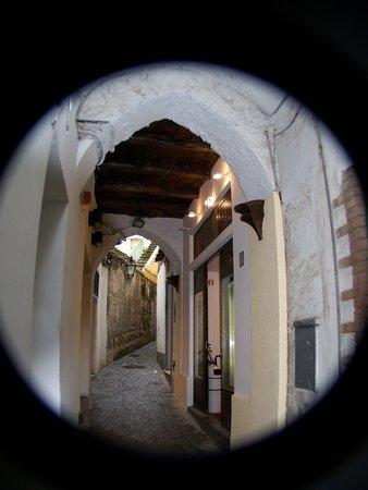 Capri Pasta : Negozio via canale 12