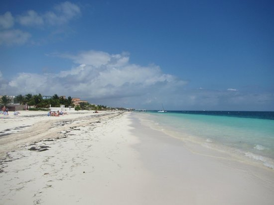 Excellence Riviera Cancun : looking towards Cancun