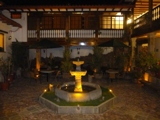 Hotel Rumi Punku: One of the several courtyards