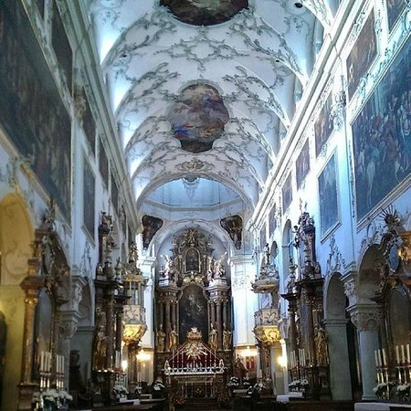 St. Peter's Abbey (Stift St. Peter) : Otherearthly interior