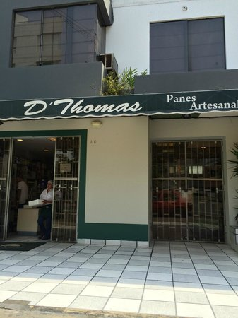Hotel Runcu Miraflores: Amazing bakery right across the street. Try their Empanadas!