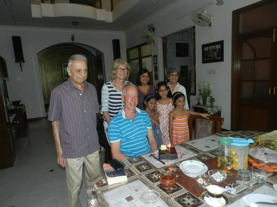Jaipur Friendly Villa: Enjoying my birthday surprise