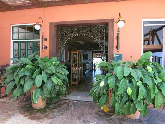 Hotel de Lencois: Entrada lateral do hotel