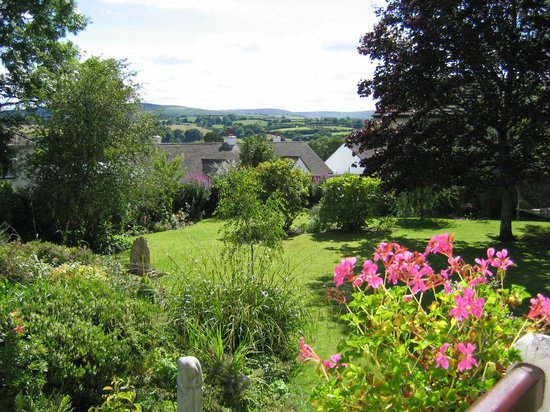 The Walled Garden B & B: view over garden
