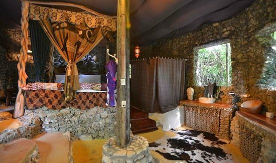 Great Huts : Queen Of Sheba, Royalty Suite