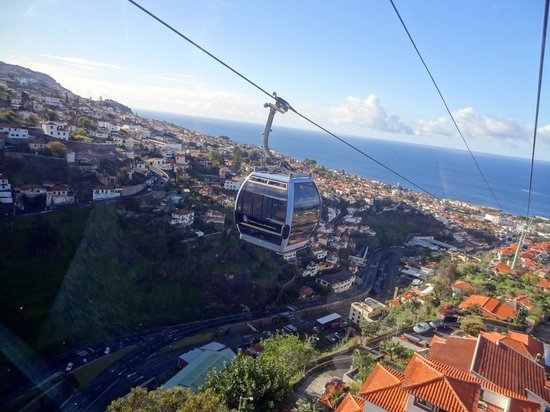 Téléphérique de Funchal : View from the cable car on the way to Monte