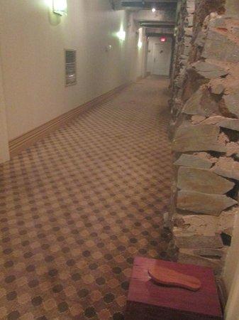 Craddock Terry Hotel : basement hallway in front of room 108