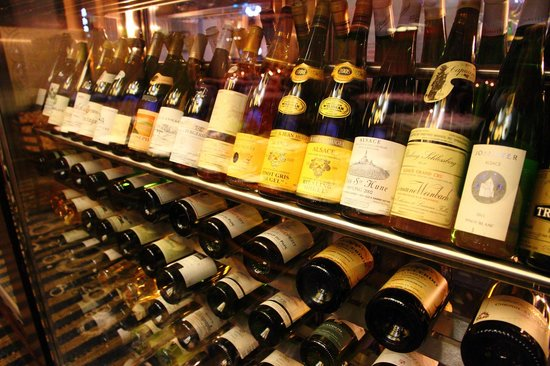 Oceana Restaurant: Large selection of vintage wines from their cellar (displayed very impressively might I add)