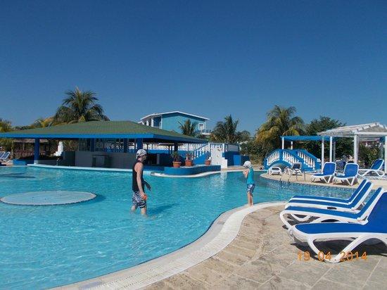 Hotel Playa Coco : piscine-pool bar