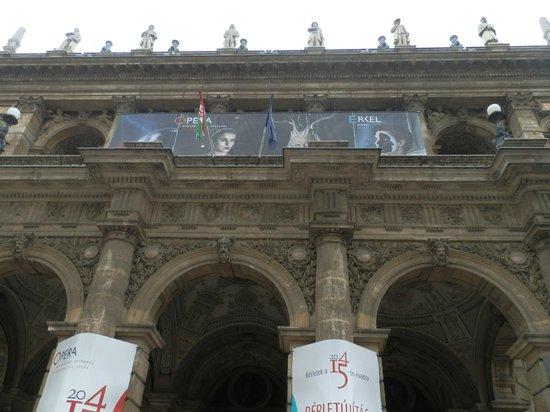 Hungarian State Opera House (Magyar Allami Operahaz) : fachada principal