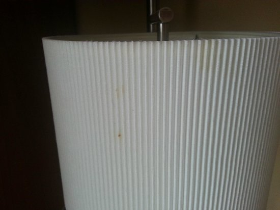 TownePlace Suites Erie: food stains on lamp