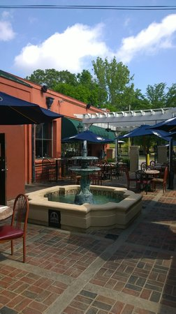 Cotton Patch Jazz & Blues Cafe: Outside dining area