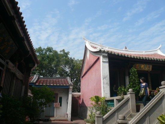 Ji Dian Wu Miao: 廟の中に廟が有る