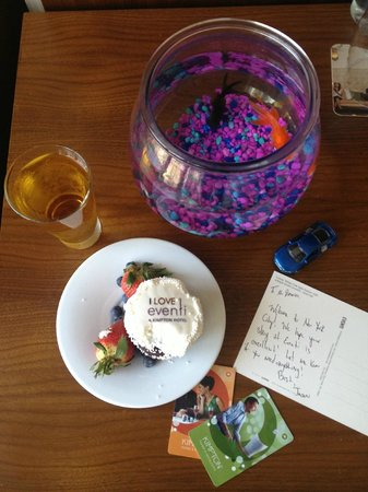 Hotel Eventi - a Kimpton Hotel: Welcome Amenity and Pet Goldfish