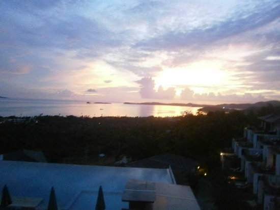 Mantra Samui Resort : View of the sun rising  from my room