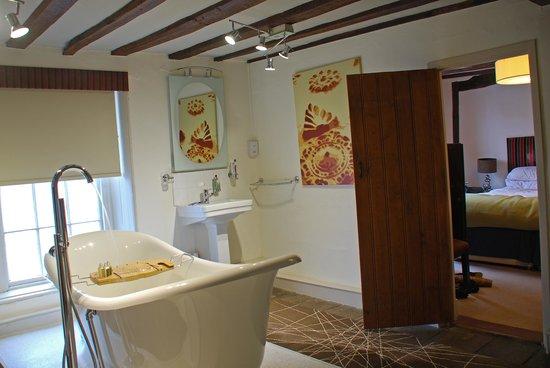 Sutherland House Hotel & Restaurant : Earl of Sandwich bathroom