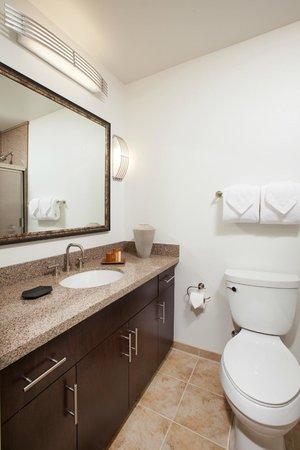 Winners Circle Resort: En Suite Restroom