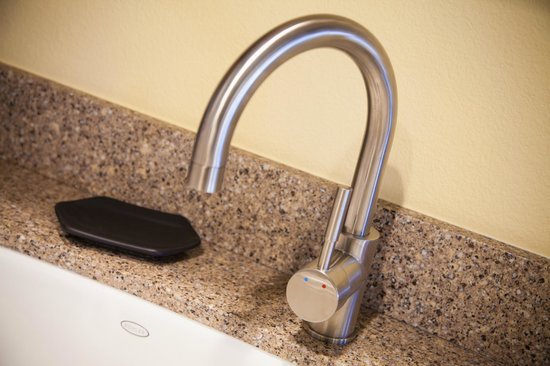 Winners Circle Resort: In Room Kitchen Faucet