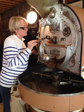 Tastes of Provence - Tours : The amazing and perfectionist coffee lady...Le Blûlerie, sorry that spelling is only close, my b