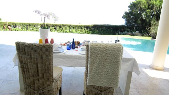 Atlantique Villa Camps Bay: by the pool