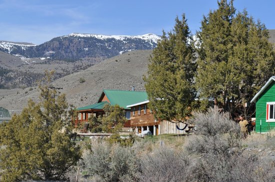 North Yellowstone Lodge and Hostel: looking back at lodge and rooms