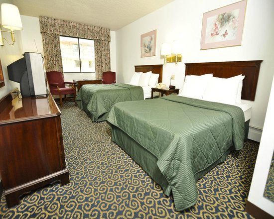 Travelodge Lake Erie Sandusky: Sandusky Travelodge Guest Rooms