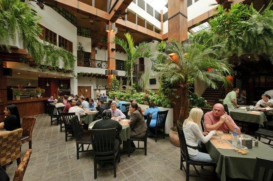 Hotel Balmoral: El Patio Restaurant