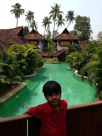 Kumarakom Lake Resort: meandering pool villas